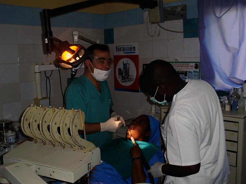 luz-africa-gabinete-dental