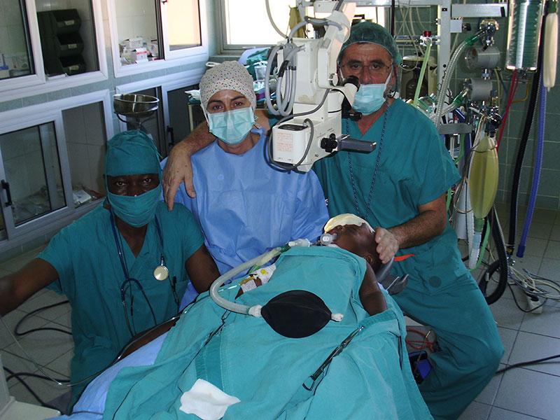 quirofano-oftalmologico-luz-africa