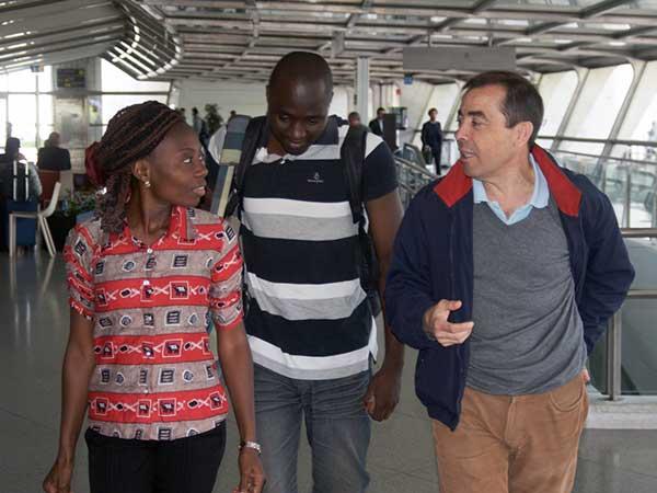 Llegan dos doctores de Benin para realizar prácticas en Santander